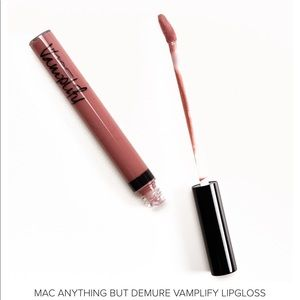 MAC Cosmetic Vamplify Lipgloss AnyThing But Demure